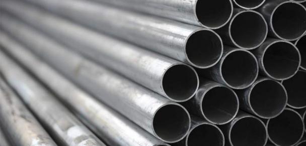 Fuerte caída de la producción de acero crudo